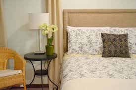 Diy Fabric Headboard by Honey Sweet Home Sprucing A Guest Room With A Diy Upholstered