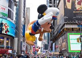 thanksgiving mickey mouse manhattan november 25 mickey mouse character balloon passing