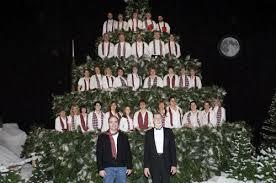 sitnews the 30th annual singing christmas tree hits creek street