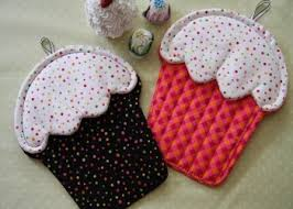free patterns quilted potholders 396 best potholder images on pinterest potholders hot pads and