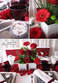 composition florale mariage location de housses de chaise blanches decoration florale