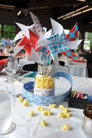 Rainbow Centerpiece Ideas by Best 25 Carnival Centerpieces Ideas On Pinterest Circus Theme