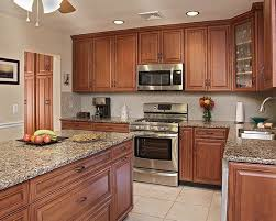 kitchen colors with medium brown cabinets what paint colors look best with cherry cabinets