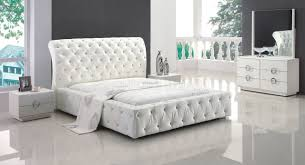 Jansey Upholstered Bedroom Set Exciting Way To Design Beautiful Bedroom Using Tufted Bedroom