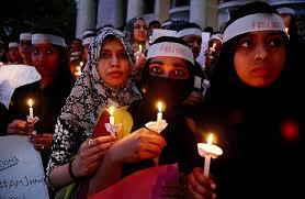 histoire de sexe bureau en inde nouveau viol d une adolescente aspergée d essence et