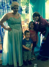 Barnes N Noble Application Kids Waited 2 Hours To Meet Elsa From Frozen Barnes N Noble Pic