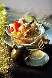 cuisiner une poule faisane recette poule faisane farcie cuite au pot sauce albufera