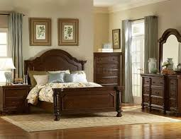 Classic Wooden Bedroom Design Ivory Stained Wood King Size Platform Bed With Storage Cream Semi