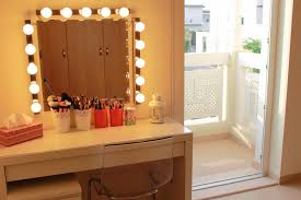 Makeup Vanity Table With Lighted Mirror The Perfectly Makeup Vanity Table With Lights Home Ideas Magazine