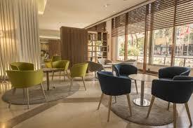 Schlafzimmer Und Bad In Einem Raum Hotel Courtyard By Marriott Madrid Prince Spanien Madrid
