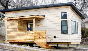 duluth tries out new tiny house for homeless startribune com