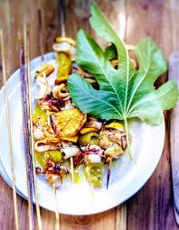 cuisiner les encornets brochettes d encornets pour 6 personnes recettes à table