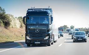 mercedes truck mercedes benz truck takes to the road without driver the car guide