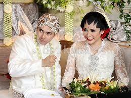 wedding dress nagita slavina raffi ahmad nikahi nagita slavina
