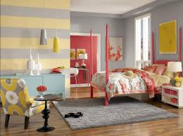 Schlafzimmer Farbe Gelb Trendige Wandgestaltung Schlafzimmer Streifen Ideen