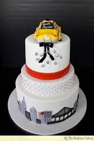 wedding cake nyc nyc checkered taxi cake wedding cakes the hudson cakery