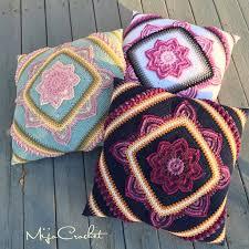 Crochet Home Decor Patterns Free In Bloom Cal Pillow By Johanna Lindahl Free Crochet Pattern