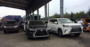 lexus xe hoi ôtô cũ đắt hơn xe mới trăm triệu nghịch lý dân giàu việt nam
