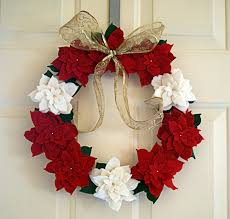 make a felt poinsettia wreath