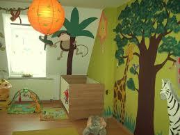 wandgestaltung kindergarten die besten 25 safari kinderzimmer ideen auf
