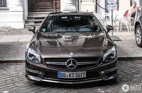 paint job makes this mercedes benz sl65 amg stand out in the crowd