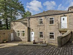 the coach house ref izc in greetland near halifax yorkshire