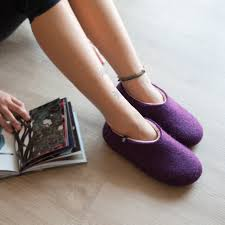 wooppers felted wool slippers wooppers felted slippers aubergine pale pink on lady s feet