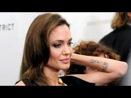 tattoo de angelina jolie que significa angelina jolie gets 18th tattoo in honor of double mastectomy