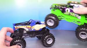 monster truck grave digger video monster trucks grave digger u0026 samson with nickelodeon paw patrol