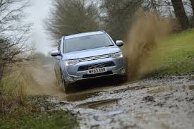mitsubishi outlander vs hyundai sante fe u2013 side by side uk