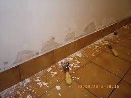 humidité mur chambre murs salle de bain humide 20170530050104 tiawuk com