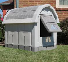 Dog Kennel Flooring Outside by Dog Houses For Large Breeds Maconbourgogne