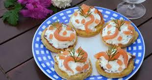 canap au saumon fum et mascarpone recettes de saumon par flo au fil du thym feuilletés au saumon