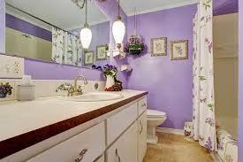 deco salle de bain avec baignoire salle de bains violette 57 idées pour vous convaincre
