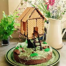 gourmet birthday cakes green gourmet giraffe tree house birthday cake