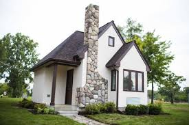 Renting A Tiny House Detroit Tiny Home Neighborhood Lets The Homeless Rent To Own