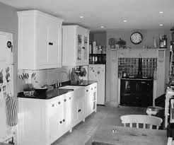 country kitchen with curved cornice and end panels enlargement 1