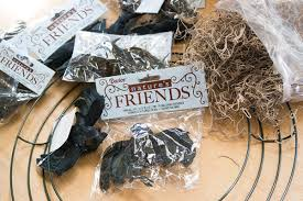 Halloween Wreath Supplies by Spruce Up Your Spooky Halloween Decor With A Wreath Of Crows