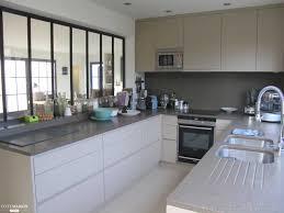 cuisine semi ouverte epure et design pour une cuisine galerie et cuisine semi ouverte sur