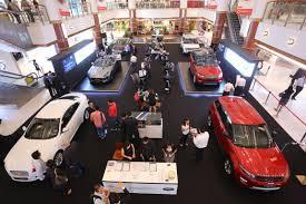 dalam kereta range rover sisma auto optimis sebagai pengedar utama jaguar land rover