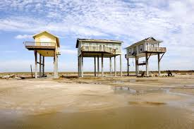 small beach house on stilts houses on stilts writewrongreviews