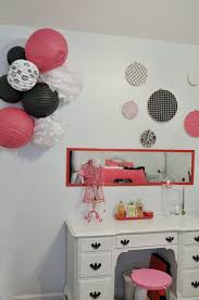 she s crafty paris themed bedroom pink and black bedroom white desk pink and black bedroom decorations