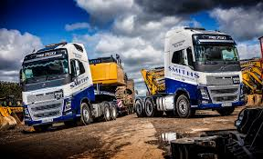 smiths of gloucester get heavy with two fh16 750 6 4 tractor units