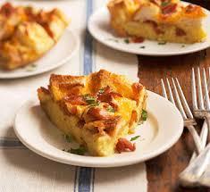 egg strata casserole egg n bacon breakfast casserole midwest living