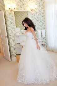 rental wedding dresses the guide to wedding dress rentals modwedding