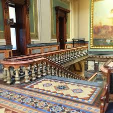 Iowa travel state images Souvenir chronicles des moines iowa state capitol building interior JPG