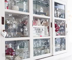 christmas window decorations my hutch has christmas window decorations songbird