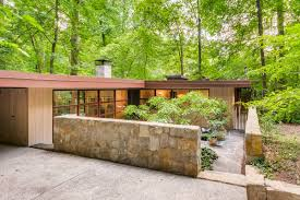 midcentury modern homes interiors a new facebook group for mcm obsessives curbed midcentury modern houses are in demand in atlanta and at a higher