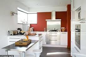mur cuisine framboise couleur mur cuisine kreativ murs cuisine couleur framboise blanche