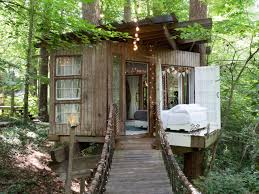 airbnb jackson wyoming coolest airbnb treehouses for fall getaways men u0027s fitness